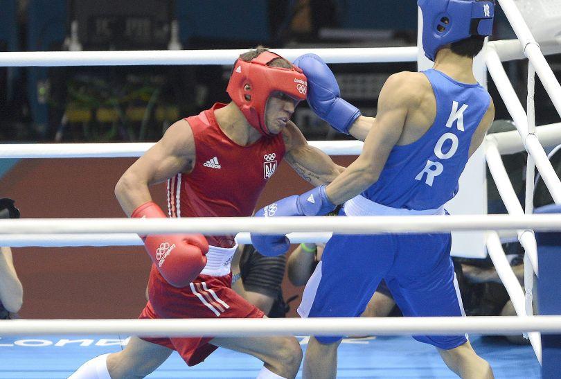 Wasyl Łomaczenko gładko pokonał Koreańczyka Soonchul Hana i wywalczył złoto w ketegorii do 60 kg (fot. Getty Images)