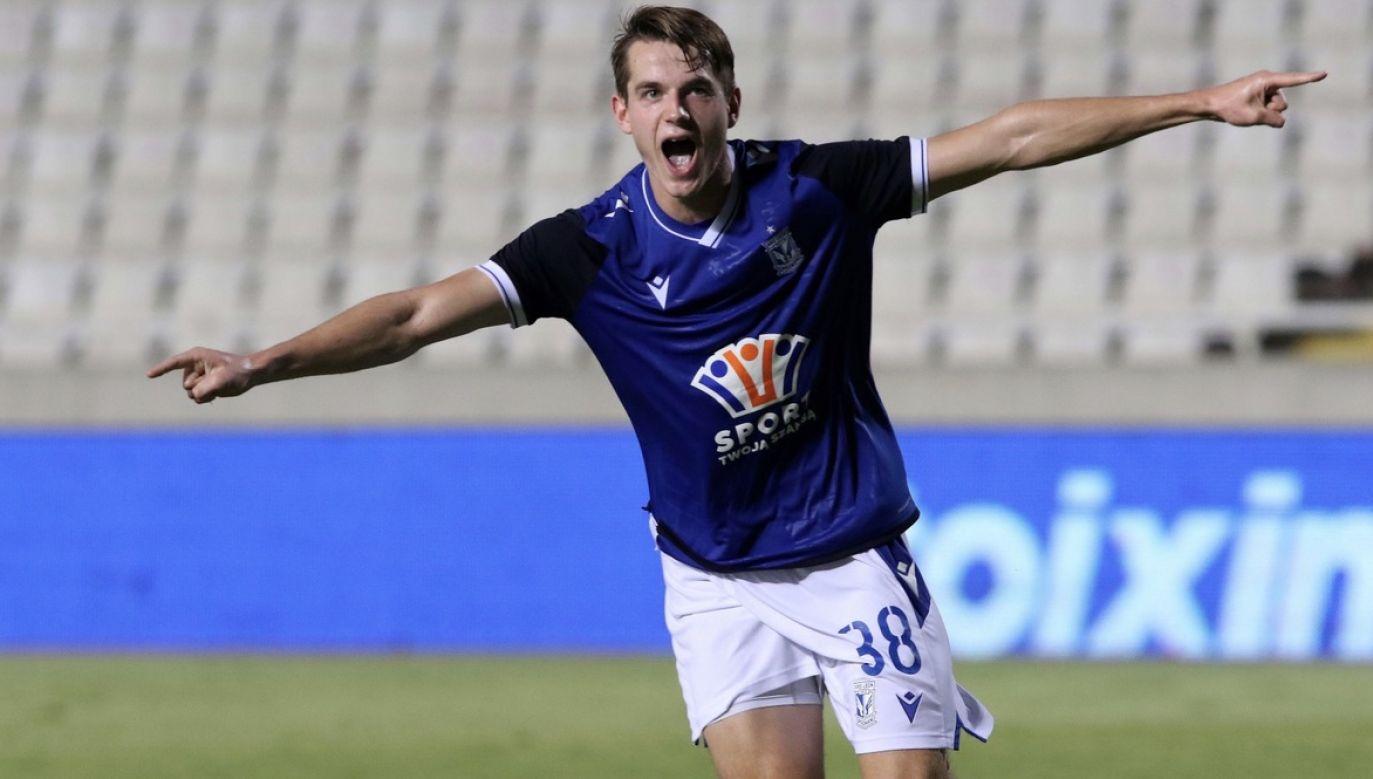 Jakub Kamiński trafił do siatki w poprzednim pucharowym meczu Lecha z Apollonem Limassol  (fot. PAP/EPA/SAVVIDES PRESS)