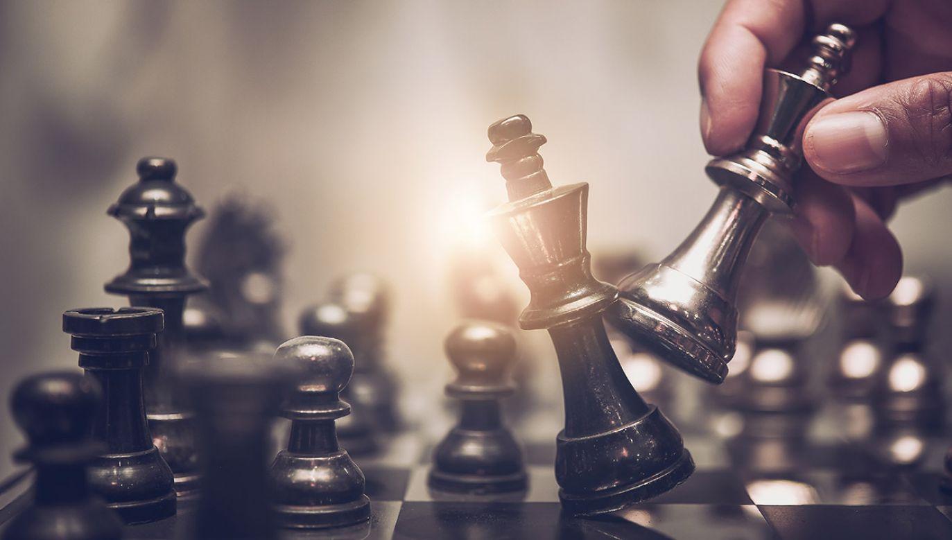 Dla osób w wieku 70 lat i starszych, granie w gry, może być pozytywnym zachowaniem w zakresie zmniejszania pogorszenia funkcji poznawczych (fot. Shutterstock/totojang1977)
