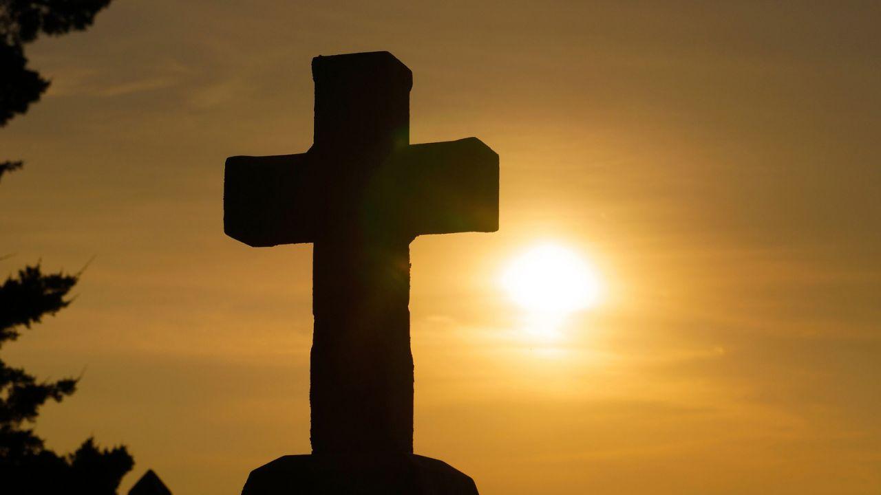 Rząd Bawarii nakazał zawieszanie krzyży w urzędach (fot. pixabay.com/sspiehs3)