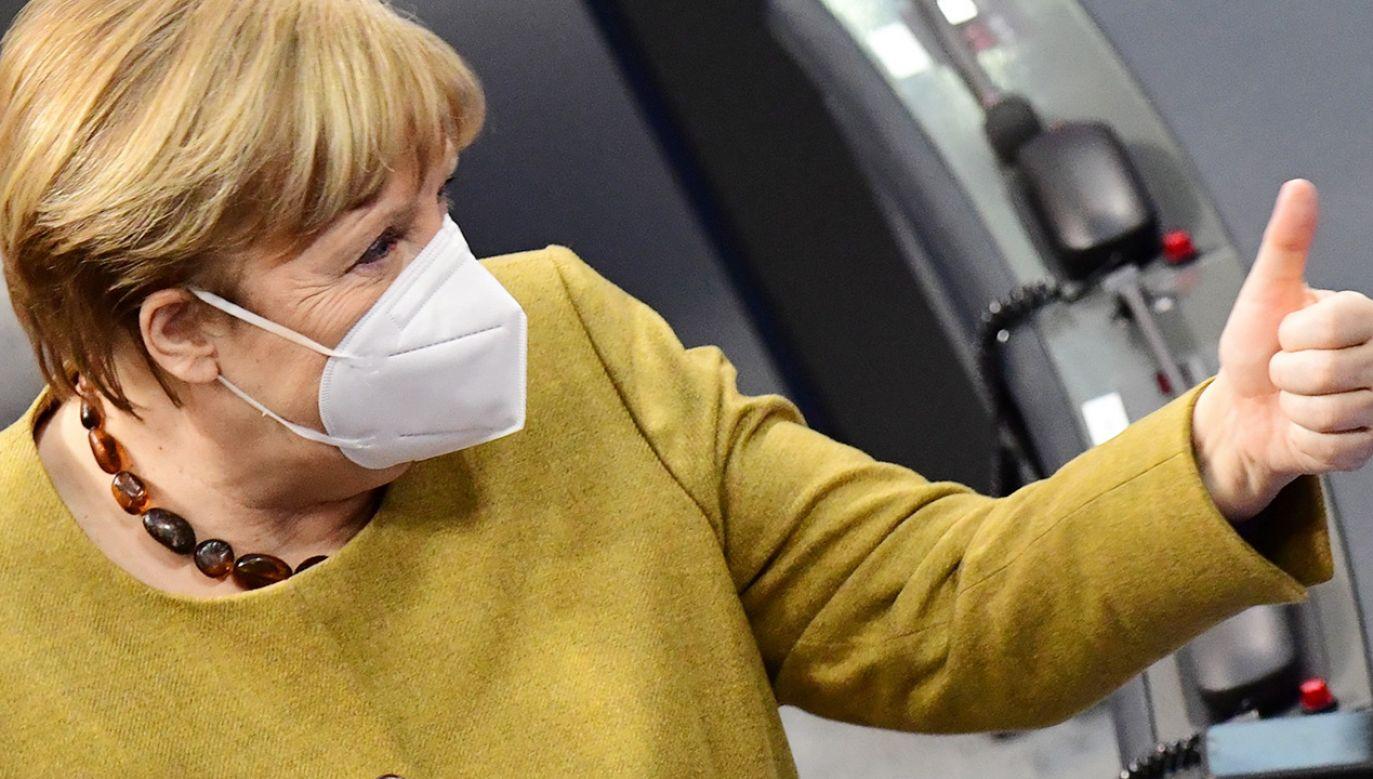 Kanclerz Angela Merkel uzgodniła te działania z premierami landów (fot. PAP/EPA/CLEMENS BILAN)