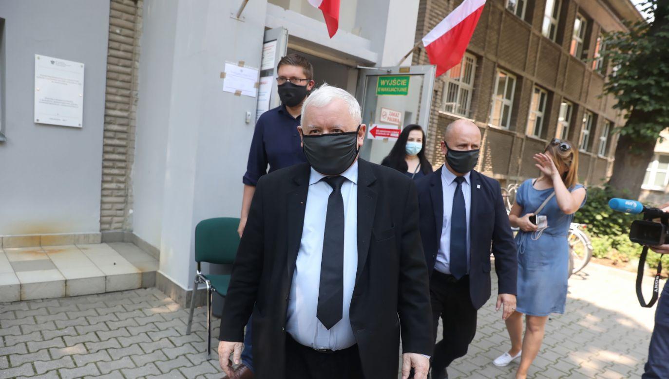 Jarosław Kaczyński podczas I tury wyborów (fot. PAP/Tomasz Gzell)