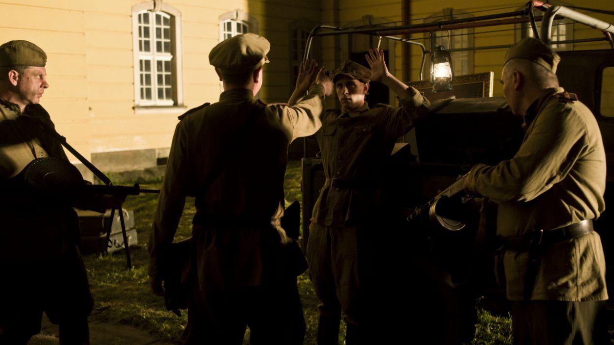 Pewnego dnia zjawił się Smiersz, sowiecki kontrwywiad. Rosjanie wyrzucili Polaków z pałacu i przejęli archiwum (fot. TVP)