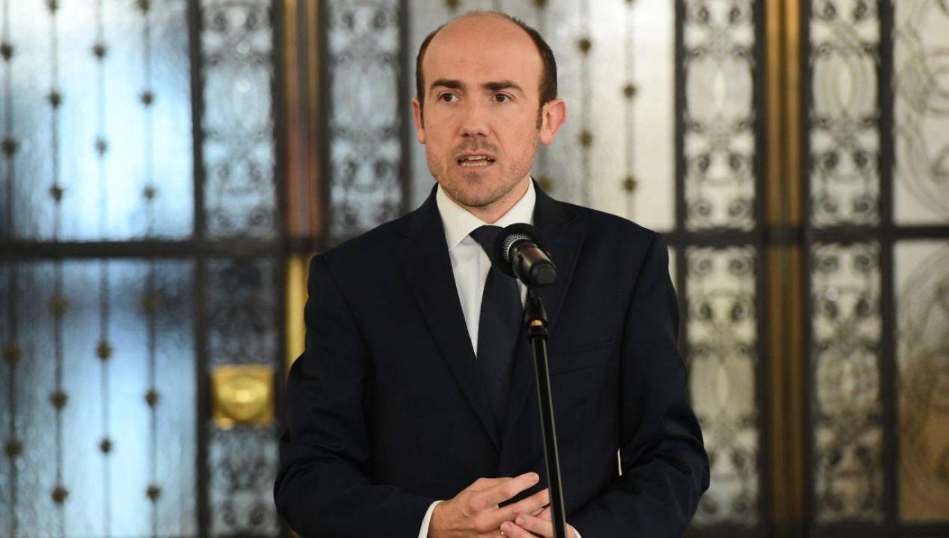 Poseł Borys Budka podczas konferencji prasowej (fot. PAP/Radek Pietruszka)