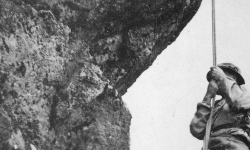 Wspinaczka wysokogórska w Tatrach, 1938 rok. Fot NAC/IKC, sygn.. 1-S-3383-4