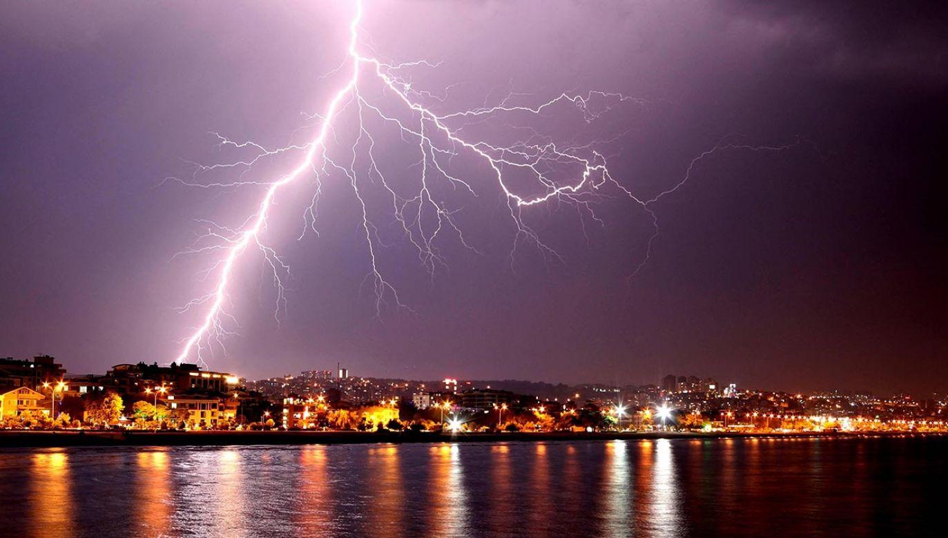 Na obszarach objętych ostrzeżeniem przed burzami z gradem prognozuje się burze z opadami wynoszącymi miejscowo do 20 mm (fot. Veysel Altun / Anadolu Agency/ABACAPRESS.COM)