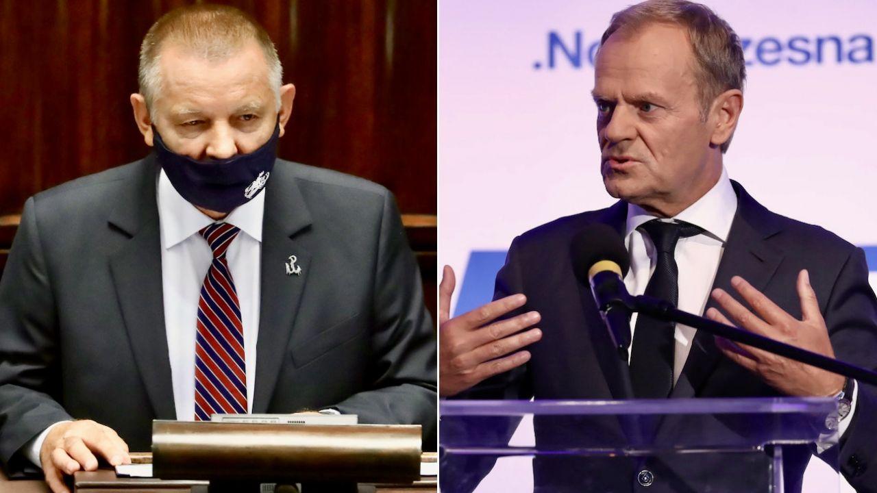 Marian Banaś (z lewej) i Donald Tusk (fot. PAP/T.Gzell (2)