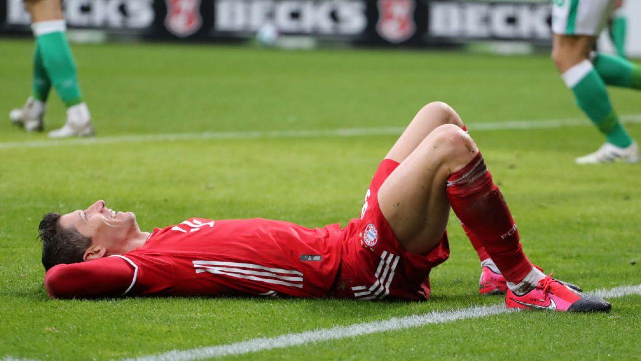 Lewandowski miał pauzować przez nawet miesiąc (fot. Stefan Matzke - sampics/Corbis via Getty Images)