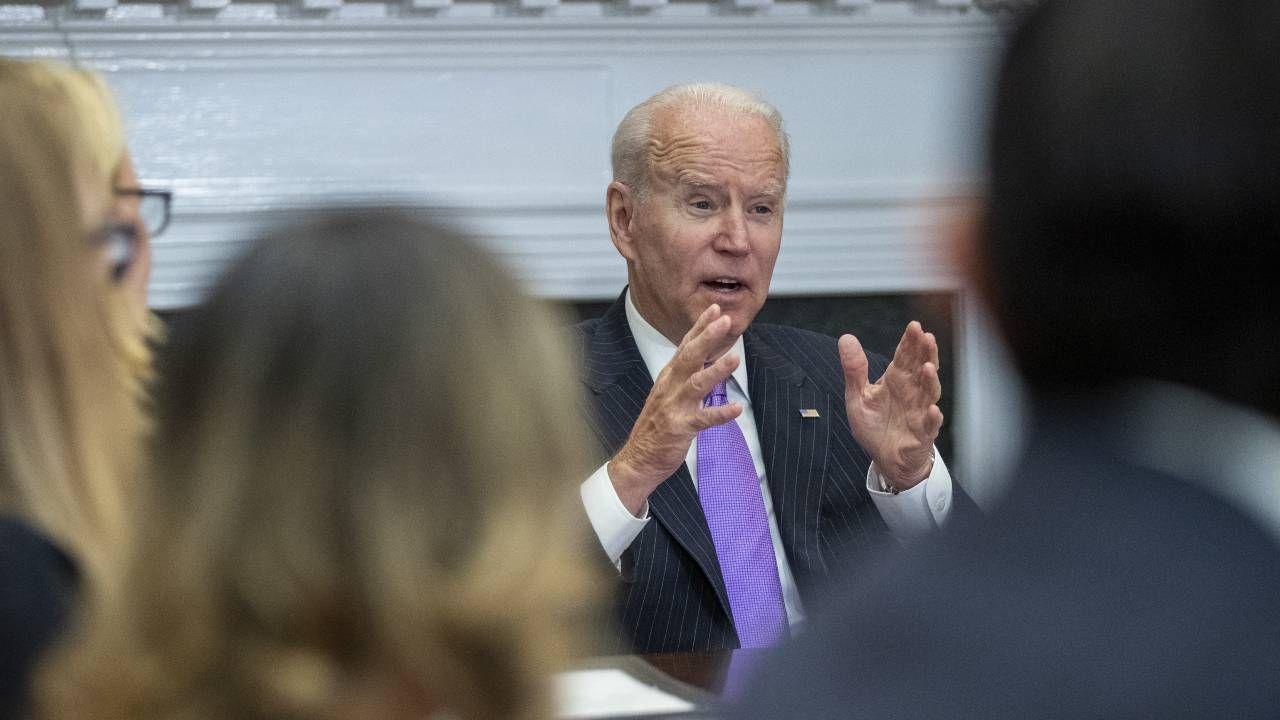 Prezydent USA Joe Biden chce znowelizować prawo wyborcze (fot. PAP/EPA/SHAWN THEW / POOL)