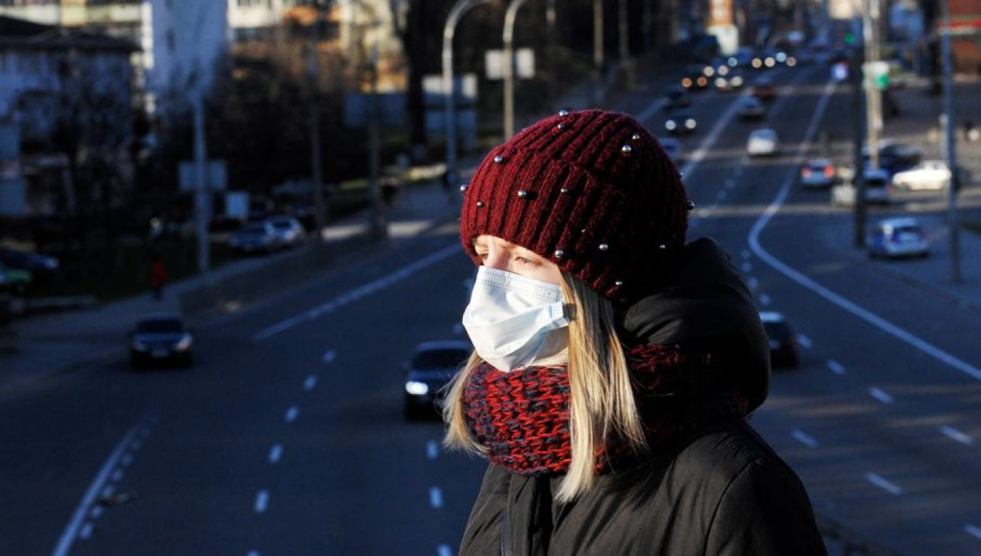 Ponad 40 procent zakażonych poniżej 40 roku życia korzysta z respiratorów (fot. Sergei Chuzavkov/SOPA Images/LightRocket via Getty Images)