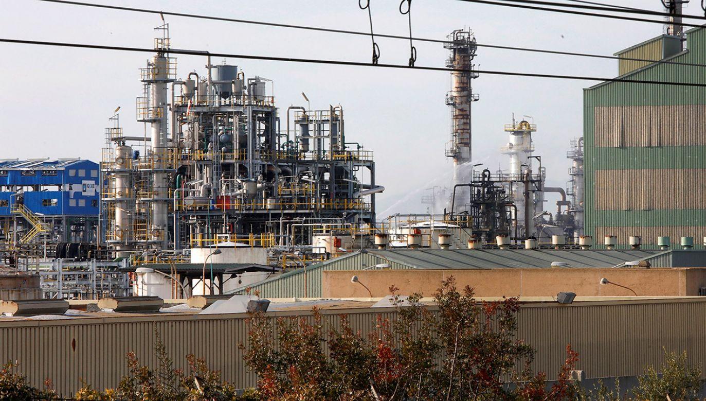 Hiszpanie boją się ataków terrorystycznych na petrochemie i cysterny z paliwem (fot. PAP/ EPA/SUSANNA SAEZ)
