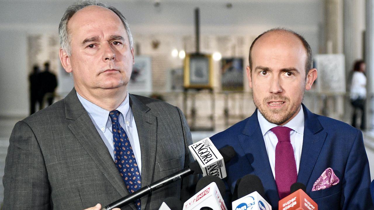 Paweł Zalewski (L) i lider PO Borys Budka (fot. arch.PAP/Jacek Turczyk)