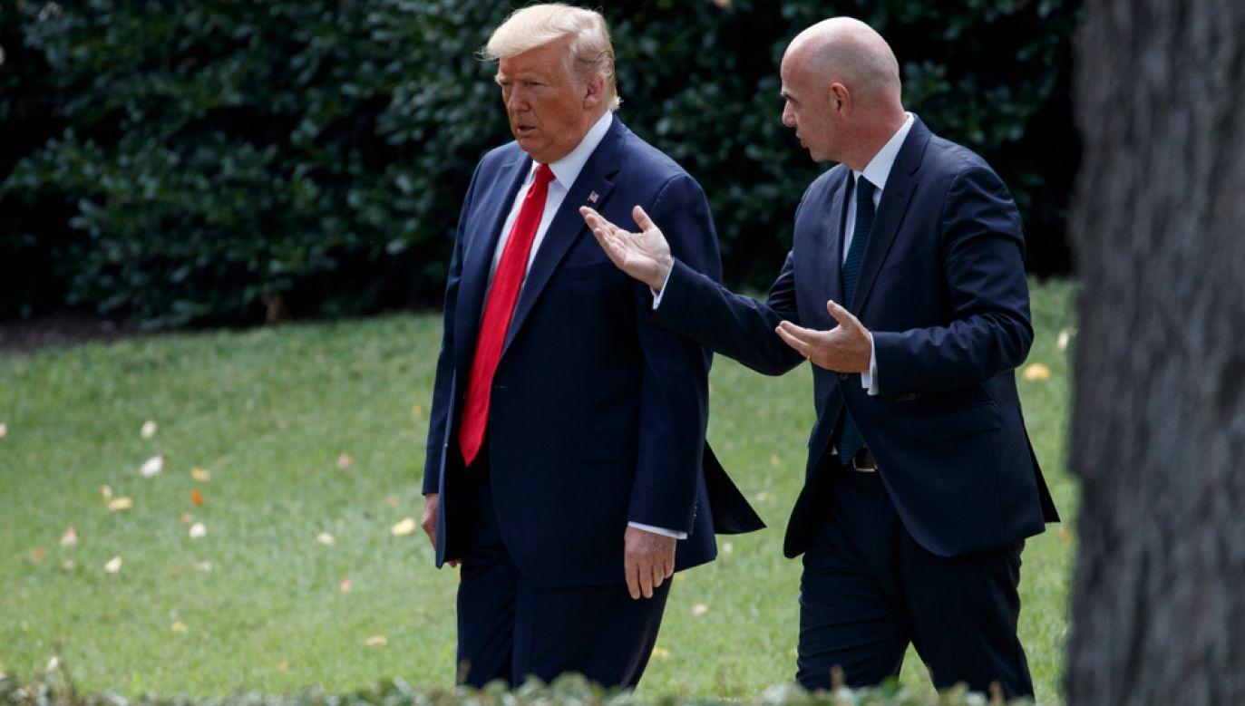 Donald Trump przyjął Gianniego Infantino (fot. PAP/EPA/SHAWN THEW)