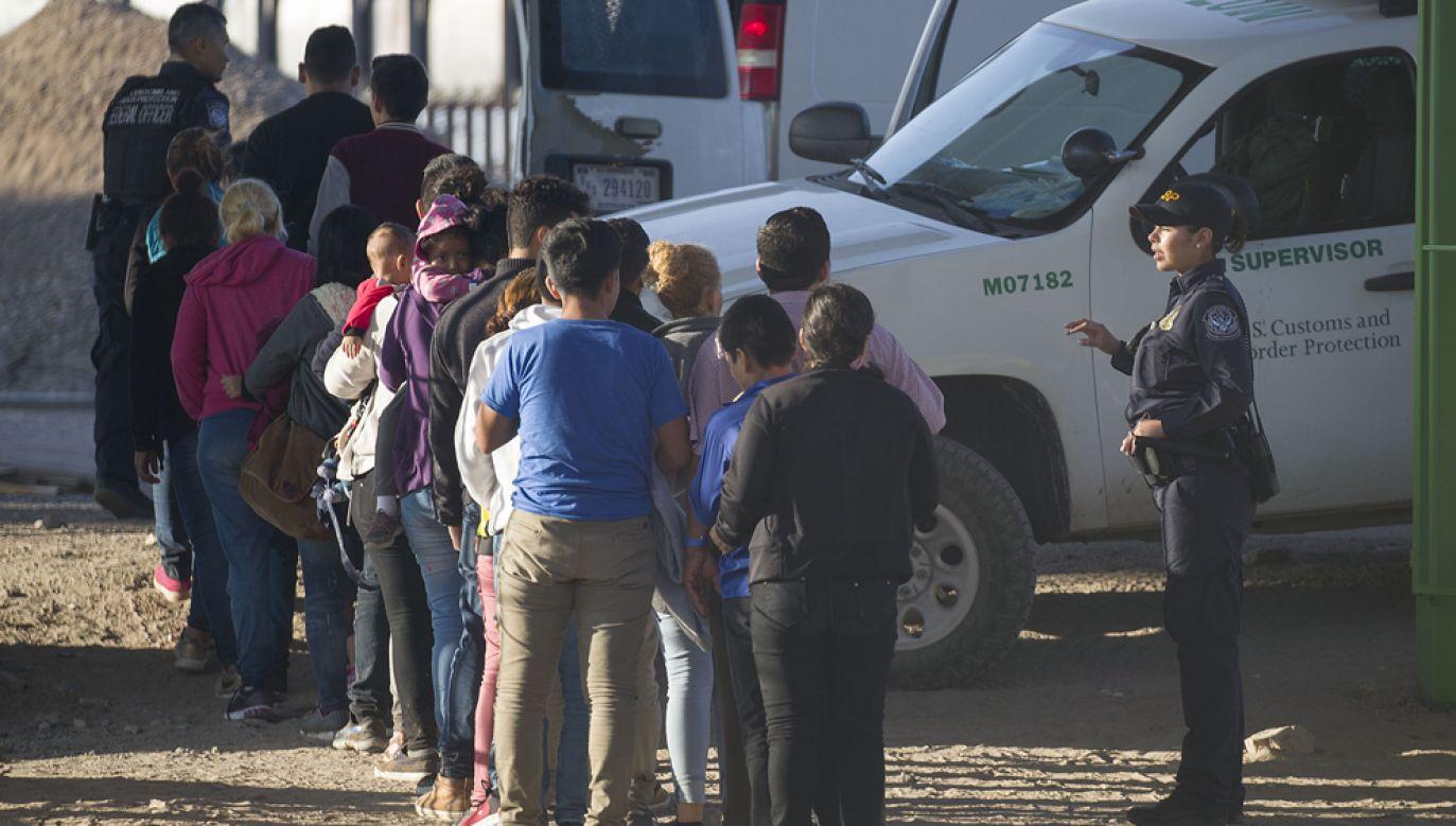 Agencje federalne na granicy, w tym zajmujące się jej patrolowaniem, borykają się z brakiem funduszy na bieżącą działalność(fot. Joe Raedle/Getty Images)