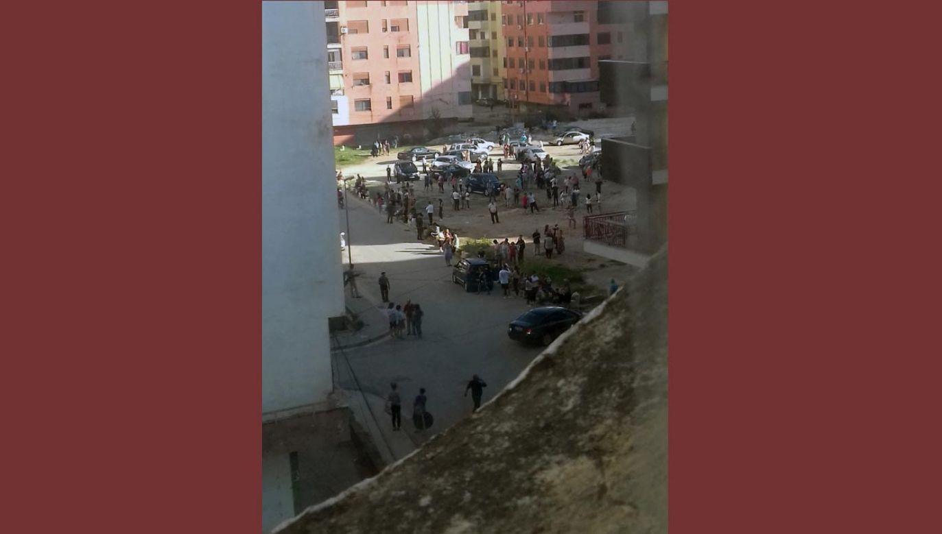 Mieszkańcy Tirany wylegli na ulice (fot. tt/ Franki  @Franki61044297)