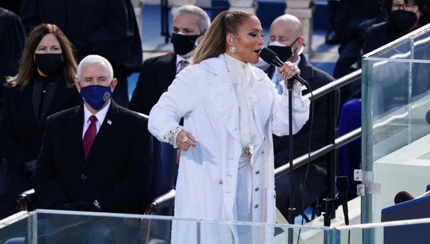Jennifer Lopez wystąpiła podczas inauguracji Joe Bidena (fot. PAP/EPA/Kevin Dietsch / POOL)