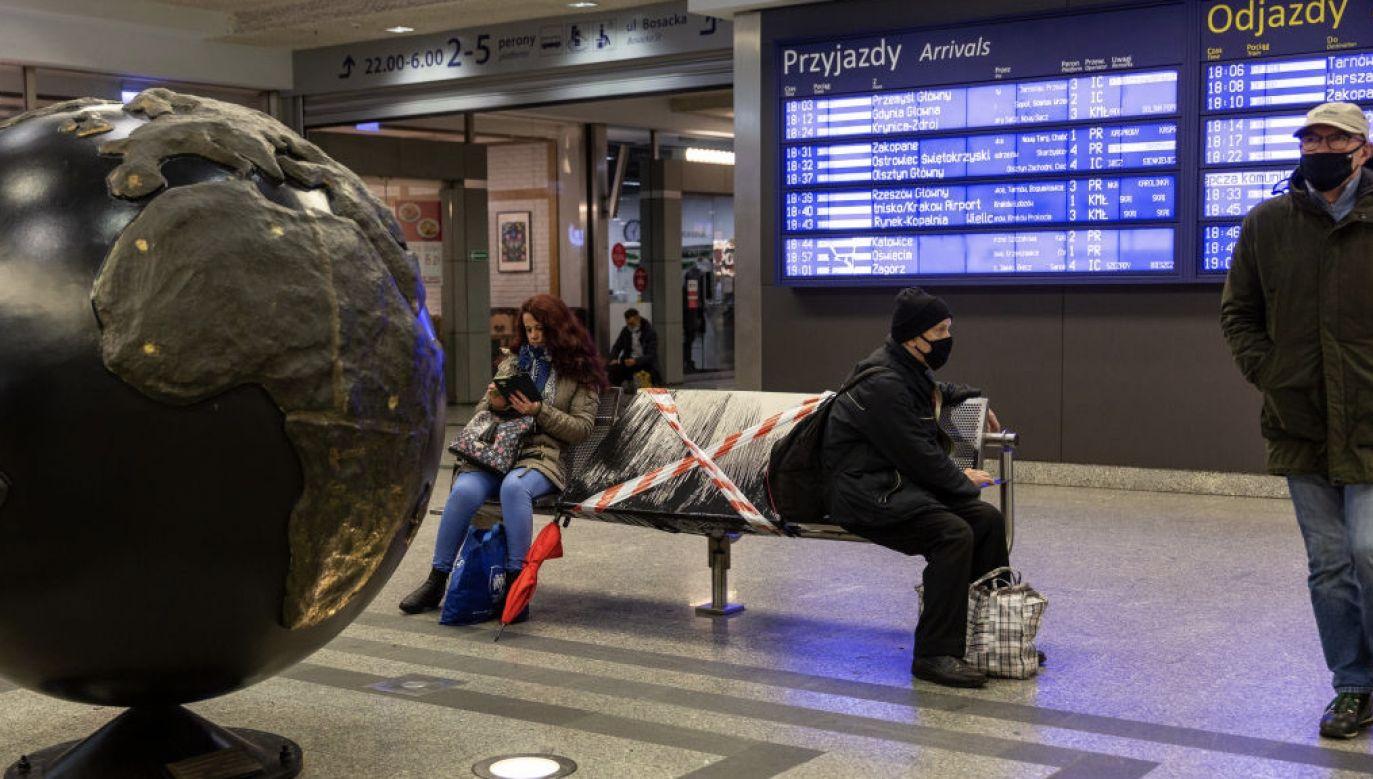 Zastrzegł, że jeśli sytuacja epidemiczna się pogorszy, trzeba będzie restrykcje utrzymać (fot. Dominika Zarzycka/NurPhoto via Getty Images)