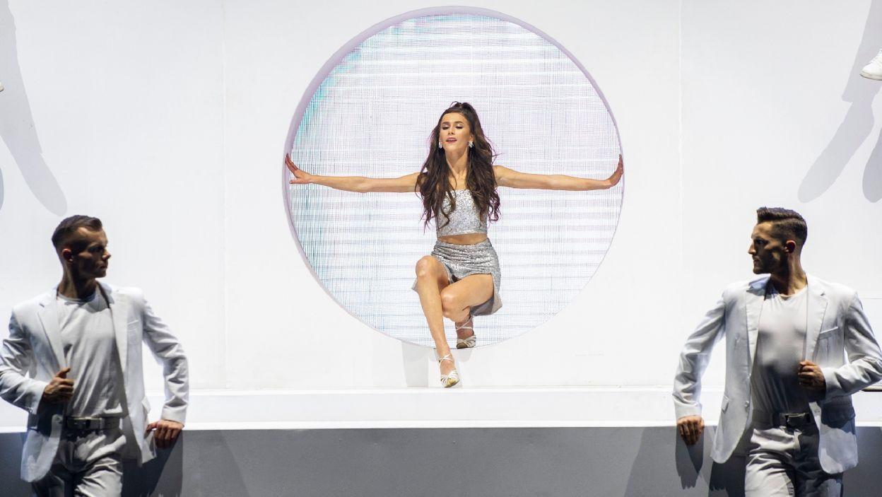 """Roxie po raz kolejny błyszczała na scenie, tym razem zatańczyła do utworu """"Focus"""" Ariany Grande (Natasza Mludzik/ fot. TVP)"""