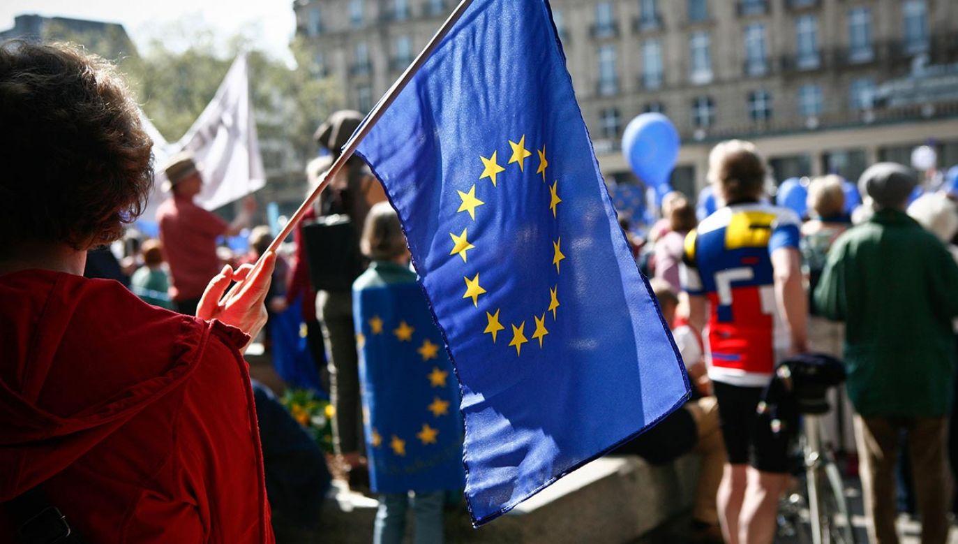 Na unijne symbole rozciągnięto ochronę, z jakiej na mocy niemieckiego kodeksu karnego korzystają już flaga i symbole państwowe Niemiec (fot. Adelaide Di Nunzio/KONTROLAB /LightRocket via Getty Images)