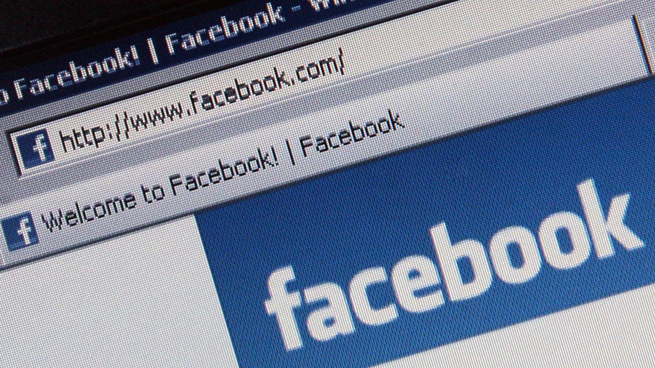 Wyciek danych z Facebooka do Cambridge Analytica może dotyczyć 2,7 mln obywateli UE (fot. Dan Kitwood/Getty Images)