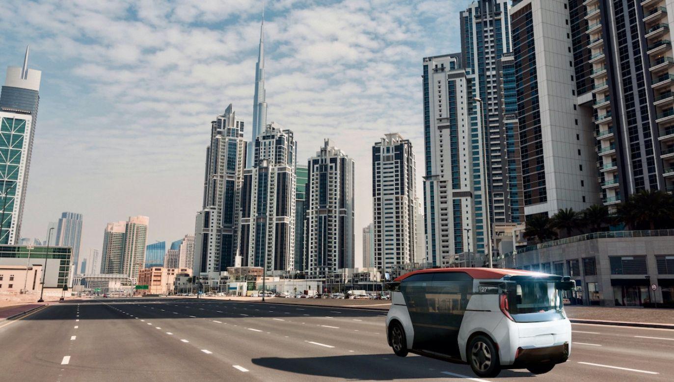 Wkrótce dubajczycy będą jeździli taksówkami kierowanymi przez roboty (fot. Cruise Origin Dubai)