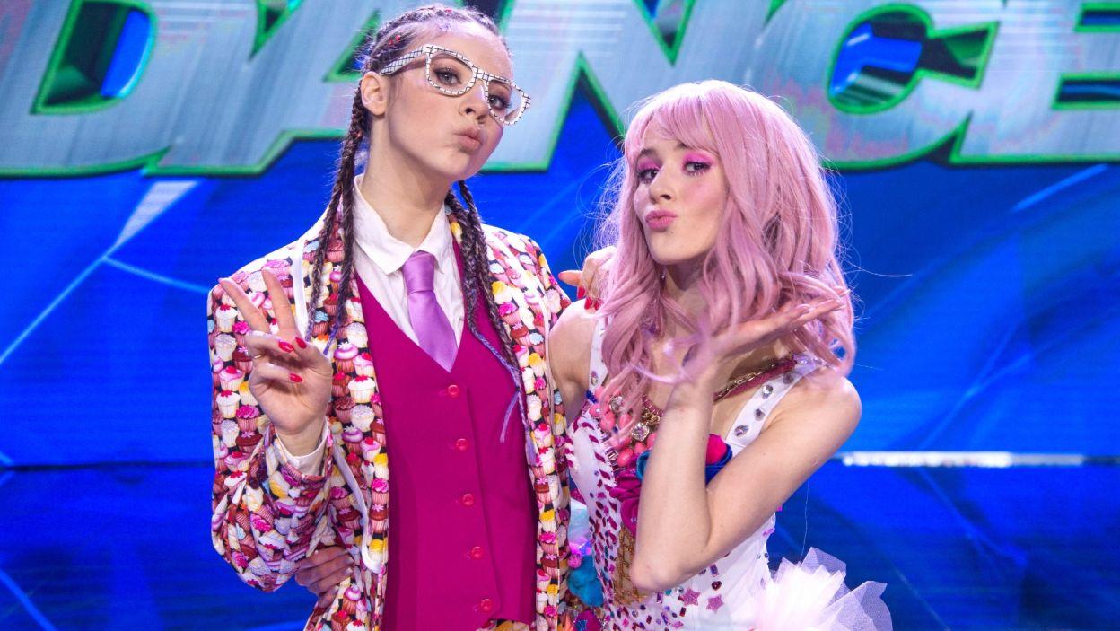 Zachwycona Ida Nowakowska tak skomentowała występ Oliwii i Roksany – Na scenie widziałam dwie dziewczyny, które są wspaniałymi solistkami i osobowościami, ale tworzą piękny duet! (fot. TVP)