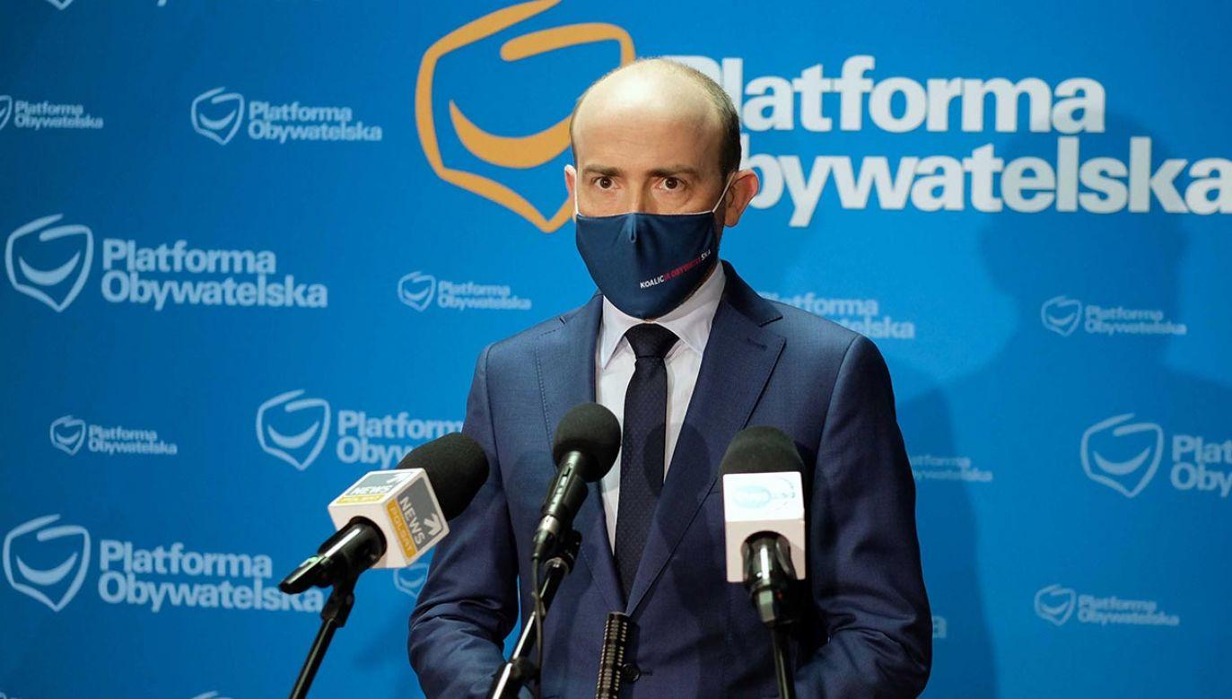 Co Polacy myślą o Borysie Budce? (fot.  PAP/Andrzej Grygiel)