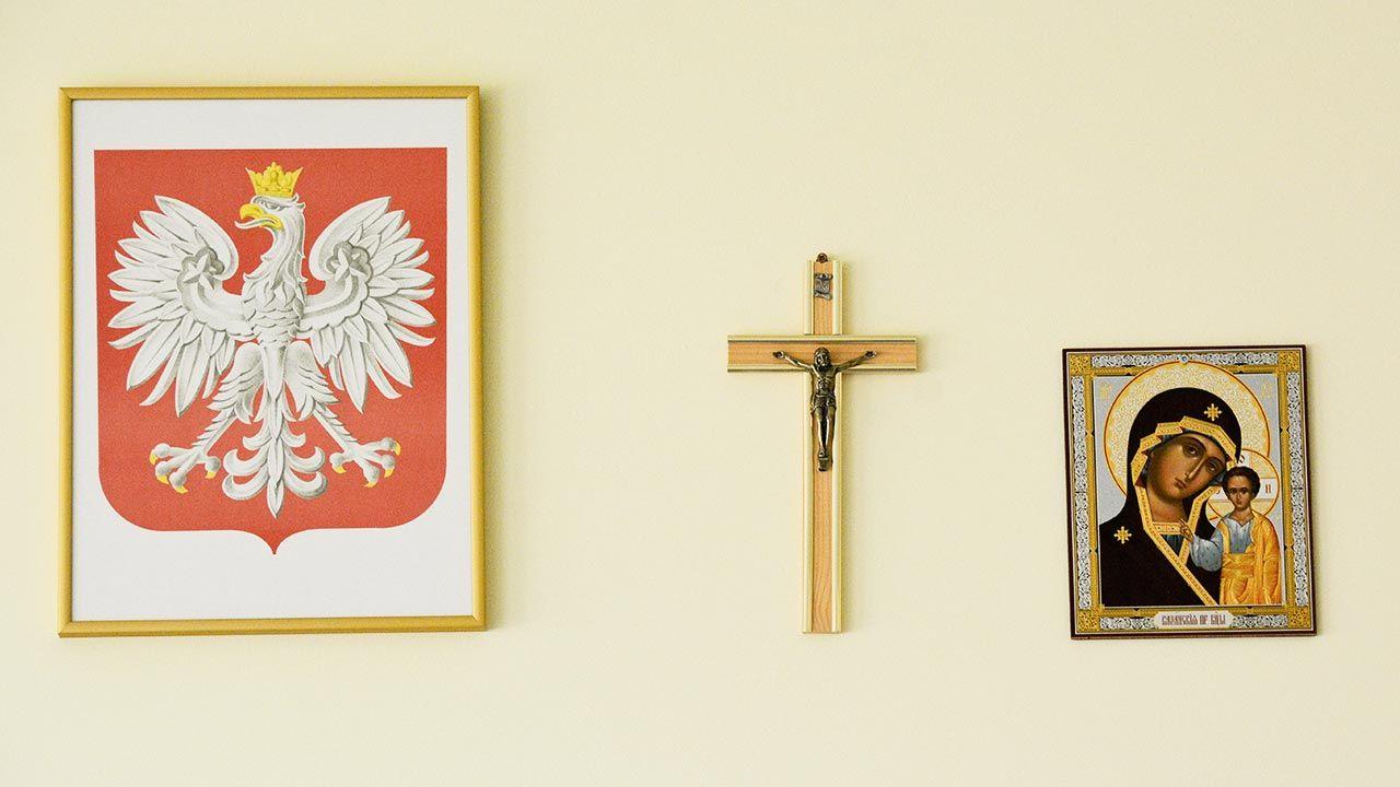 Spór nauczycielki  z dyrekcją rozpoczął się po zdjęciu przez nią krzyża ze ściany (fot. Forum/Anatol Chomicz)