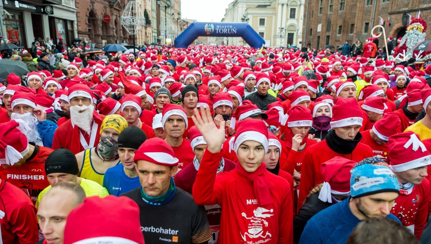 W biegu wystartowali uczestnicy z ponad 20 krajów (fot. PAP/Tytus Żmijewski)