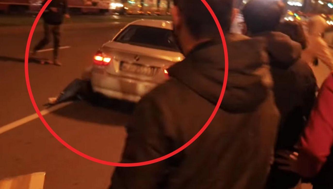 Według Gazety Wyborczej sprawcą wczorajszego potrącenia był funkcjonariusz służb specjalnych (fot. YouTube/Plumbum Video)