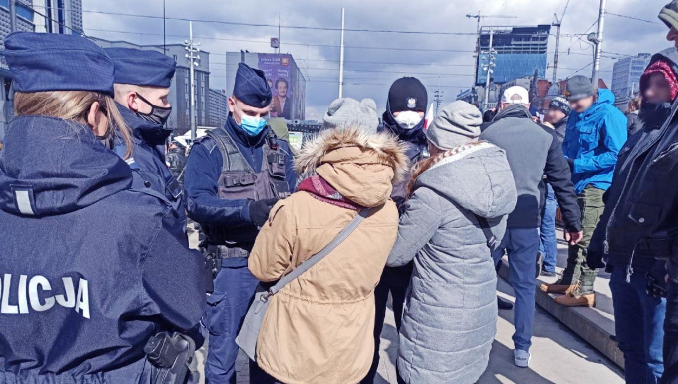 W zgromadzeniu uczestniczyło aktywnie ok. 150 osób (fot. Policja)