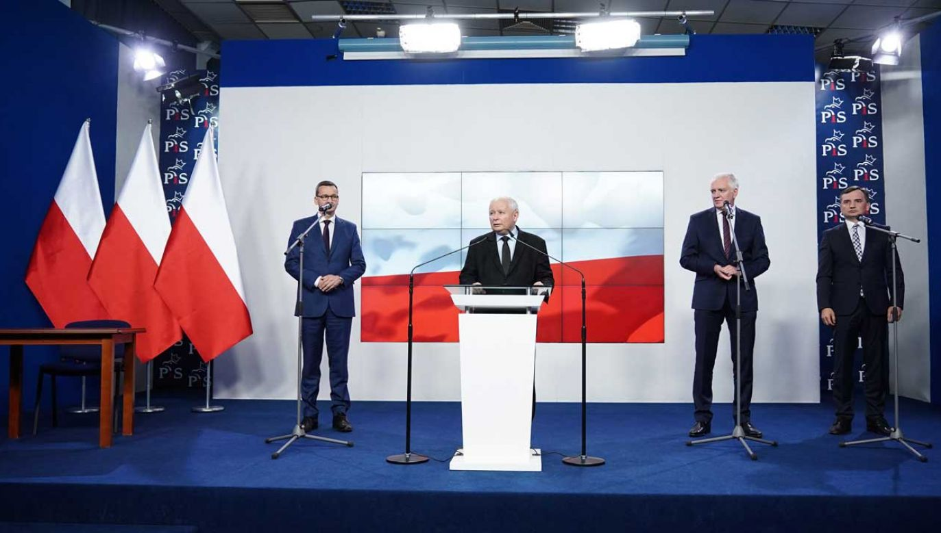 Liderzy Zjednoczonej Prawicy podpisali nową umowę koalicyjną (fot. FORUM/ Mateusz Wlodarczyk)