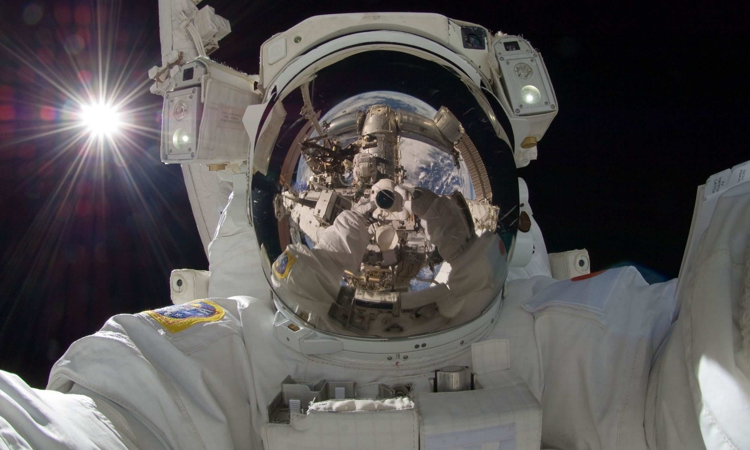 Środowiskiem człowieka nie jest tylko to, co najbliżej nas. To jest cały Kosmos. On cały musiał być i działać, żebyśmy tu i teraz byli tacy, jacy jesteśmy – mówi doktor astronomii Bogdan Wszołek. Fot. Pixabay