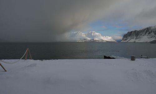 Ocean niesie zmianę pogody nad Uløyę. Fot. Tomasz Kaźmierowski