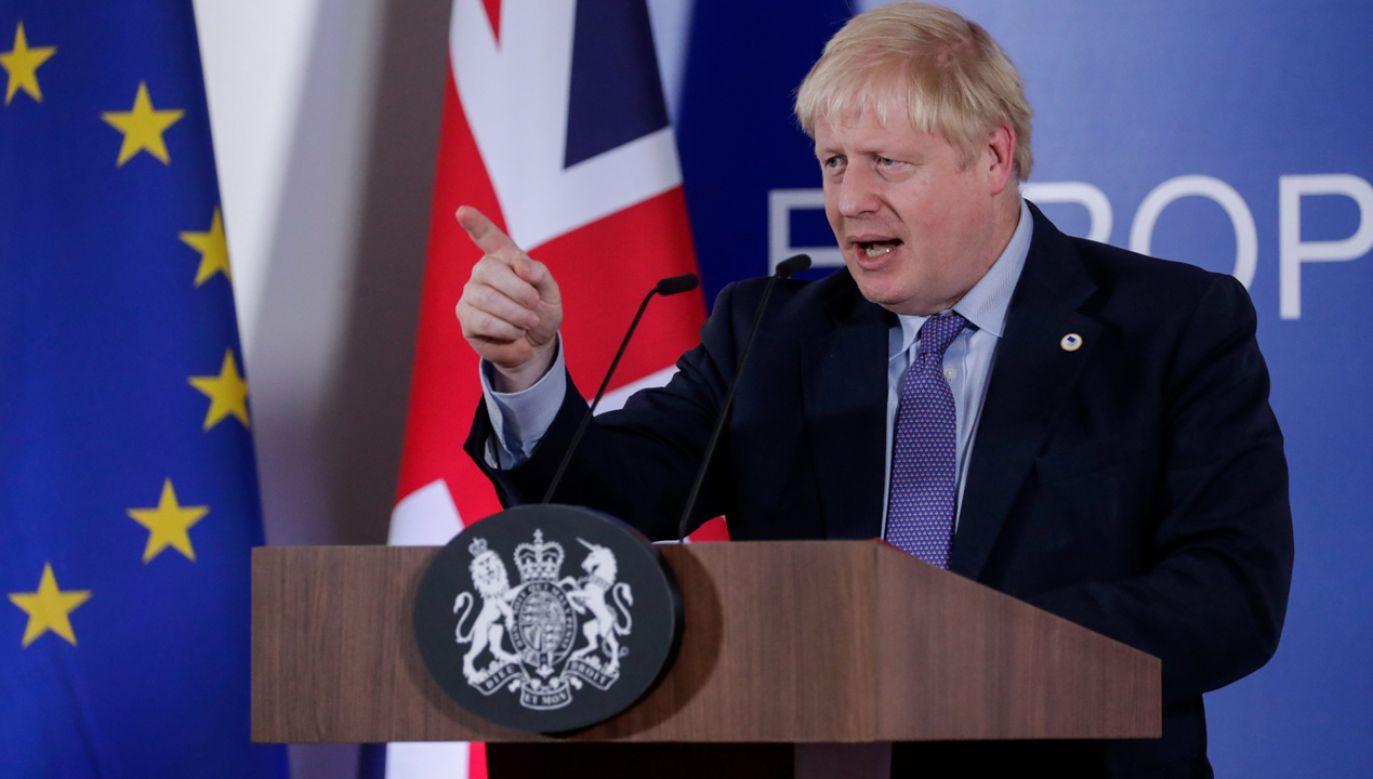 Premier Boris Johnson jest zadowolony z osiągniętego porozumienia z UE ws. brexitu (fot. PAP/EPA/STEPHANIE LECOCQ)