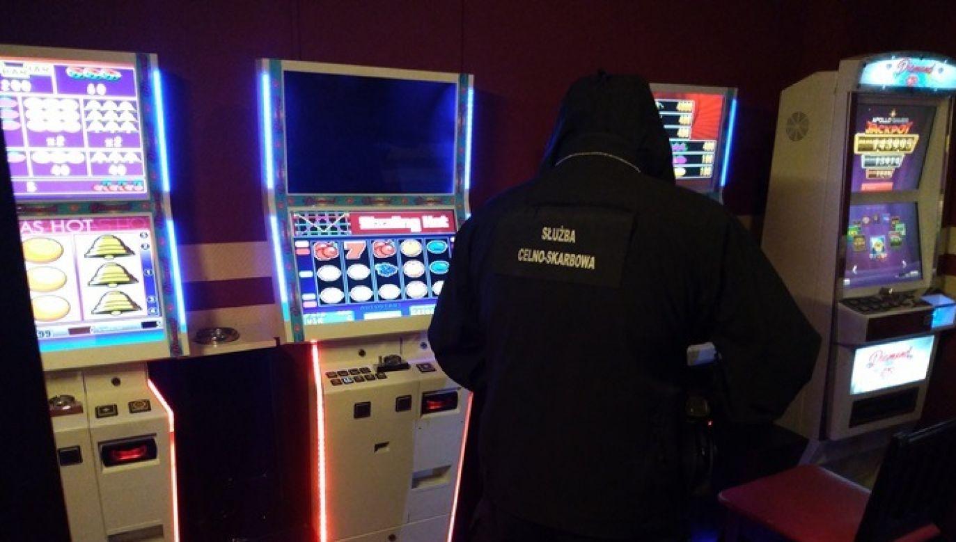 Uderzenie w podziemny hazard. Gang stracił maszyny warte ponad 630 tys. zł (fot.KAS)
