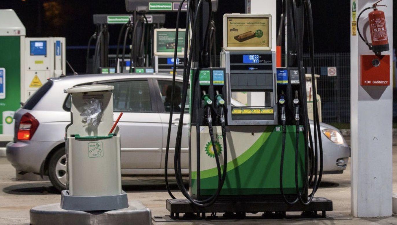 Według ich prognozy, w nadchodzącym tygodniu spodziewane są podwyżki dla wszystkich gatunków paliw (fot. Karol Serewis/SOPA Images/LightRocket via Getty Images)