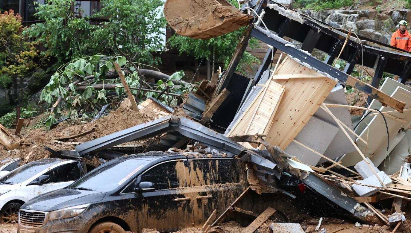 Część ofiar to kierowcy (fot. PAP/EPA/YONHAP)