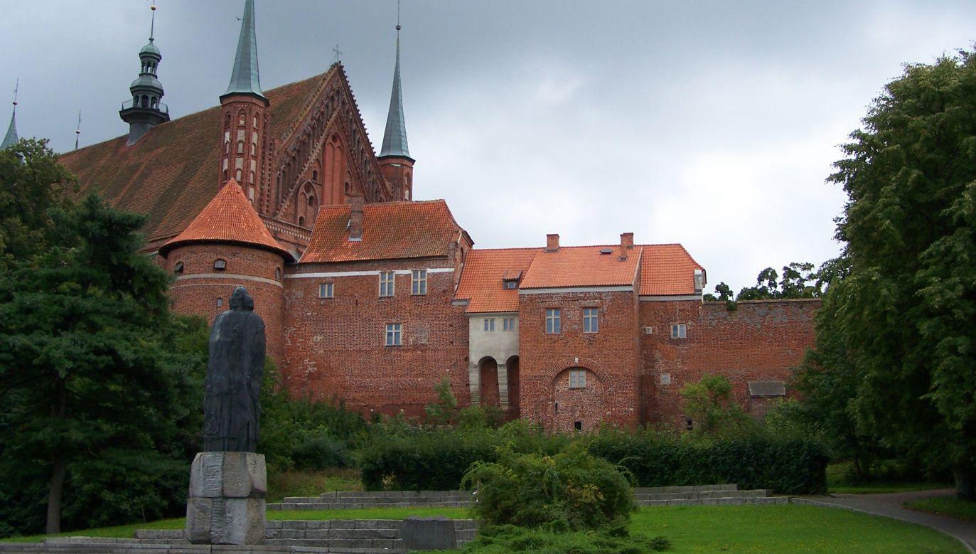 Prace archeologiczne na wzgórzu katedralnym we Fromborku prowadzono przez kilka miesięcy, do końca 2019 r. (fot. Wikimedia Commons/CC BY-SA 3.0/ Lestat (Jan Mehlich))