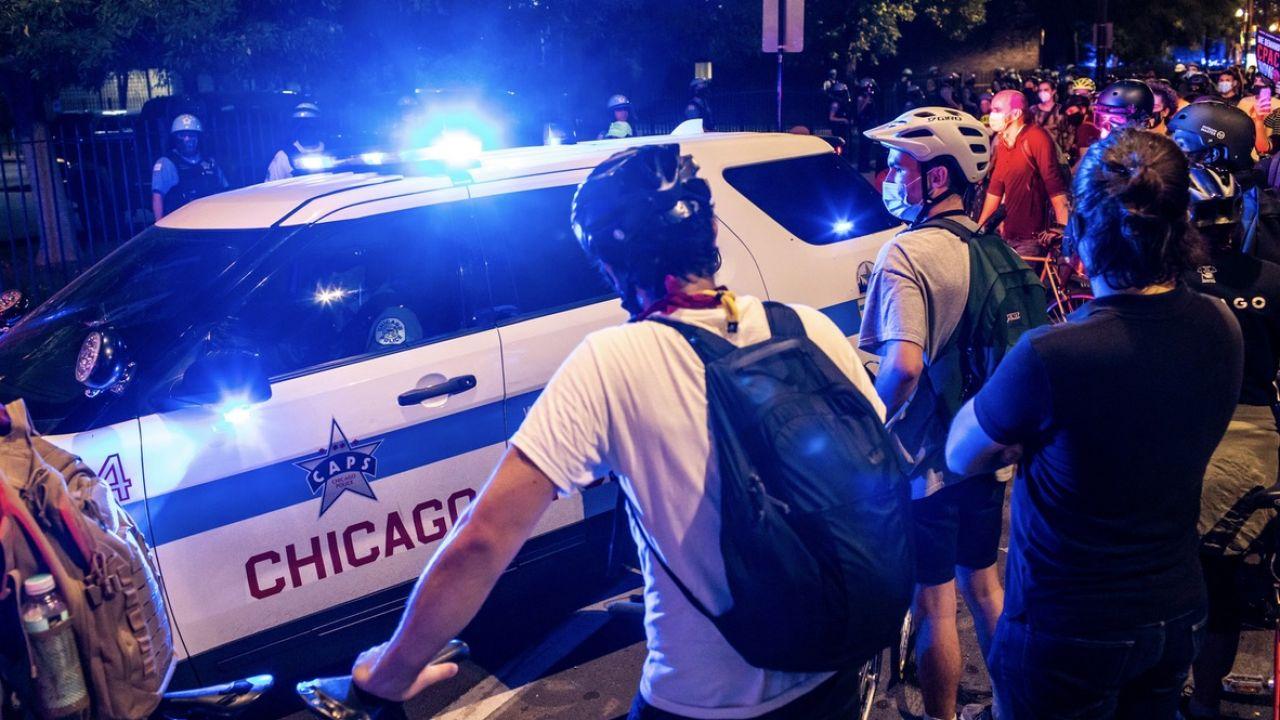 W tym roku odzyskano 9,1 tys. sztuk broni i przeprowadzono 4,9 tys. aresztowań (fot. Natasha Moustache/Getty Images)