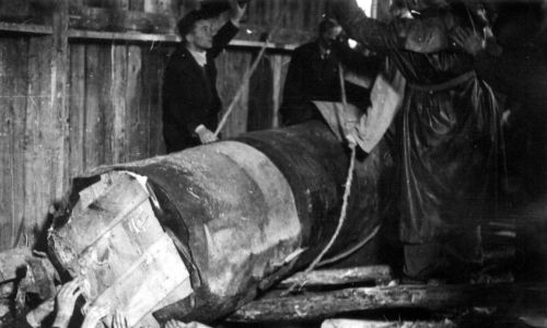 """""""Bitwę pod Grunwaldem"""" wydobyto w 1944 roku. Fot. PAP/CAF-Władysław Forbert"""