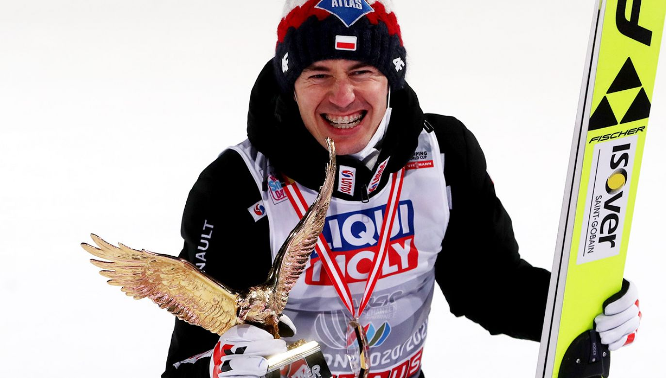 Triumfator Turnieju Czterech Skoczni Kamil Stoch zajmuje drugie miejsce na liście płac (fot. PAP/Grzegorz Momot)