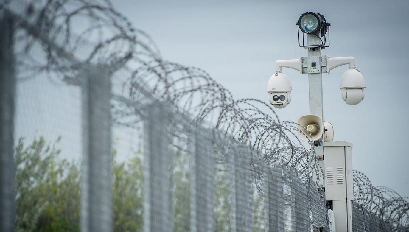 Rząd chce postawić ogrodzenie na granicy z Białorusią (fot. Hungarian Interior Ministry Press Office / Handout/Anadolu Agency/Getty Images)