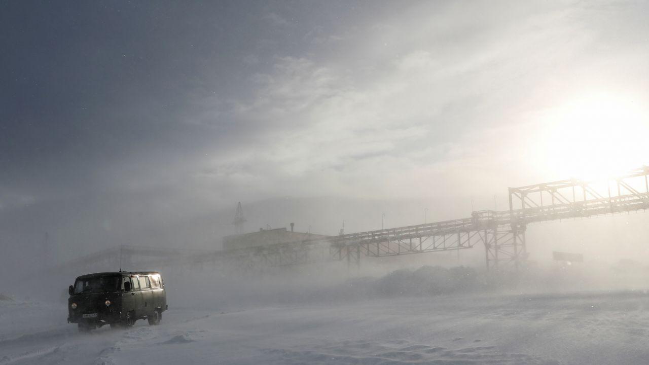 Do Murmańska można dotrzeć tylko na pokładzie statku motorowego (fot. Reuters)
