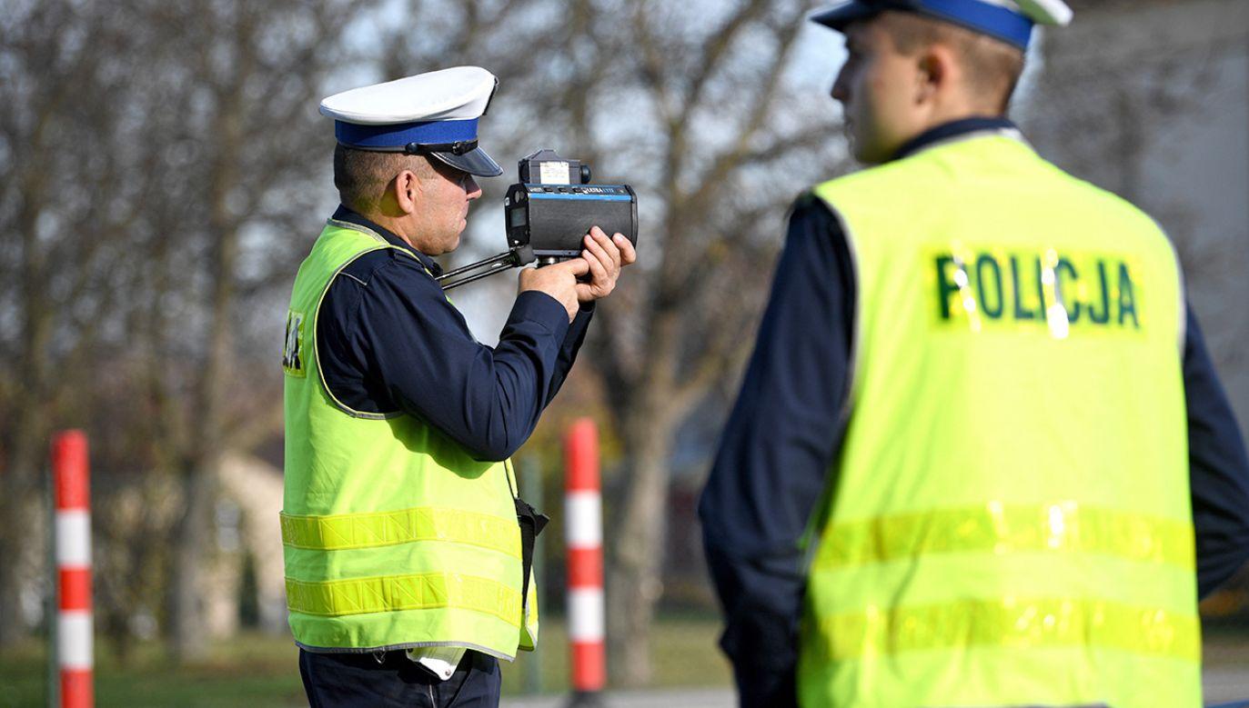 W weekendy na drogi wyjeżdżać będzie 5 tys. funkcjonariuszy (fot. arch.PAP/Darek Delmanowicz)