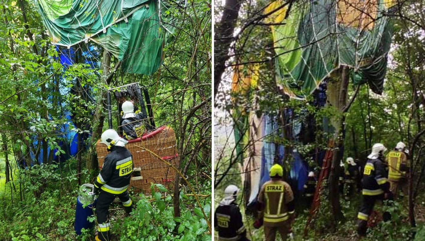 Balon zawisł na koronach drzew (fot. Facebook/OSP Szczawnica)