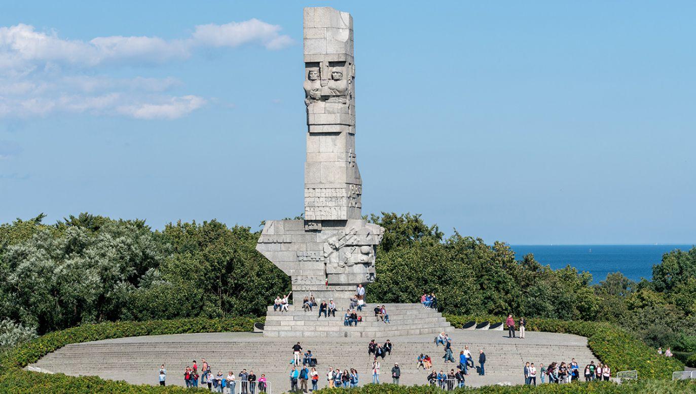 """Wicepremier Piotr Gliński podkreślał, że Westerplatte to miejsce """"święte, będące symbolem Polski i polskich wartości, symbolem oddania życia za ojczyznę i oporu w sytuacji, która wydaje się beznadziejna"""" (fot. Shutterstock/Steve Heap)"""