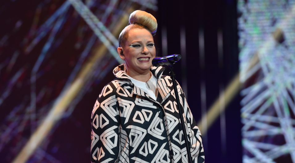 Na co dzień związana z zespołem Hey, jednak na opolskiej scenie alternatywnej po raz pierwszy wystąpiła pod szyldem – Nosowska (fot. I. Sobieszczuk/TVP)