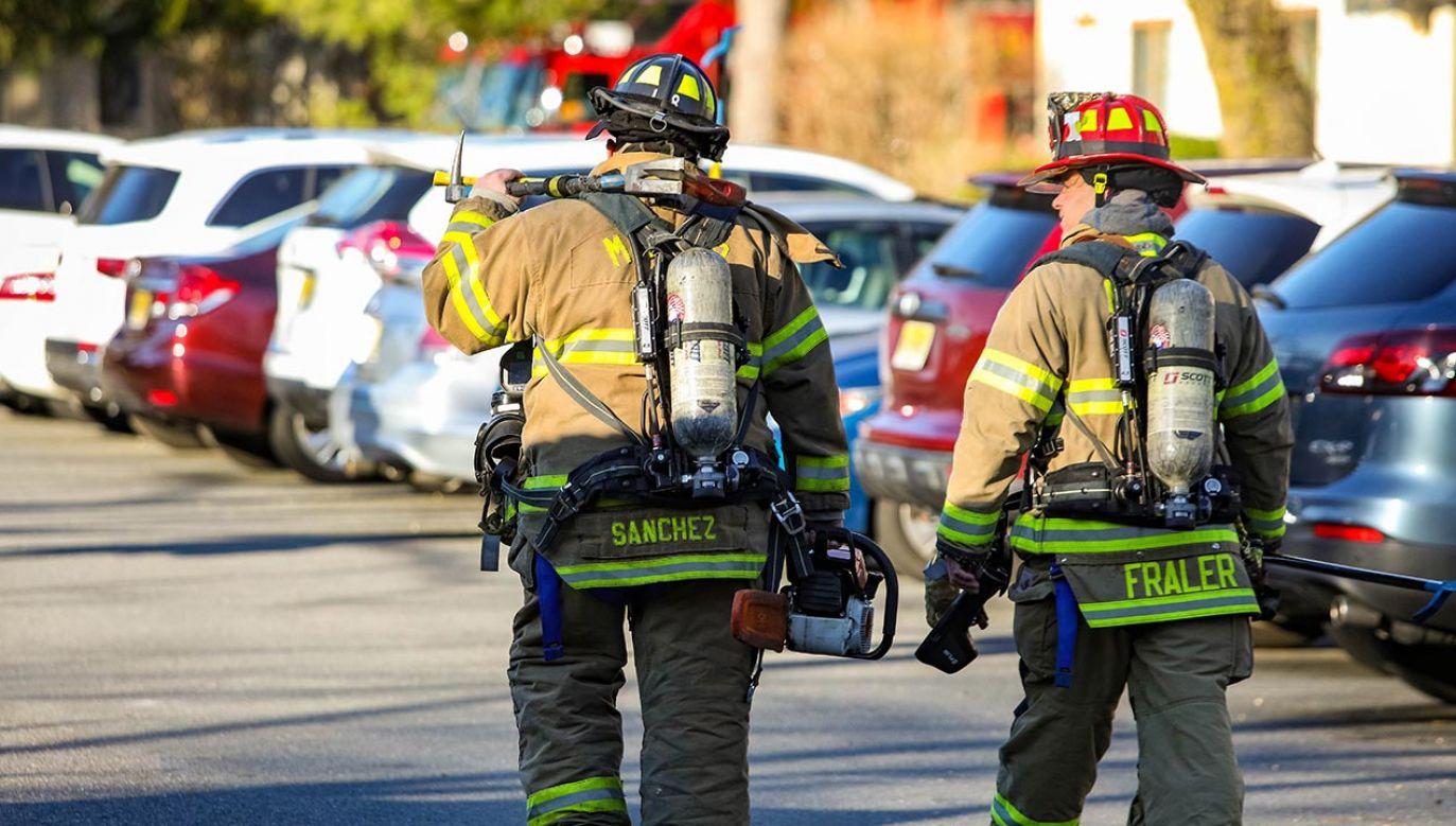 Czujniki skażenia powietrza nie wykazały zagrożenia dla społeczności miasta (fot.  Shutterstock Photo Spirit, zdjęcie ilustracyjne)