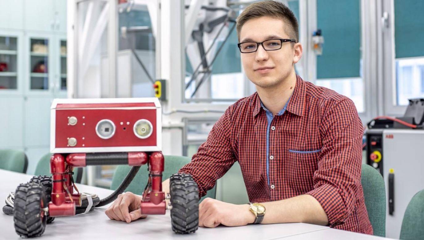 Prototyp robota opracował Sebastian Jakubowski (fot. Politechnika Rzeszkowska/B. Motyka)